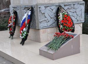 возложение цветов к мемориалу чекистов